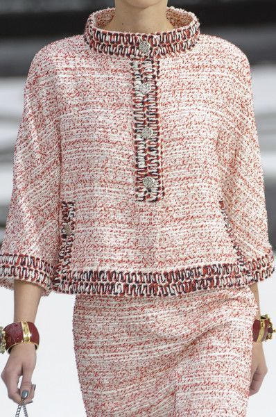 Chanel at Paris Fashion Week Spring 2011 - Livingly