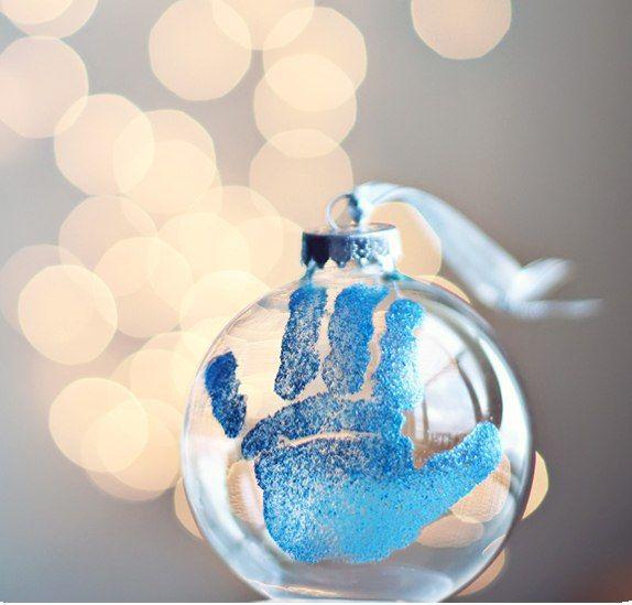 Мы собрали 10 интересных идей новогодних подарков и сувениров, которые можно сделать своими руками.