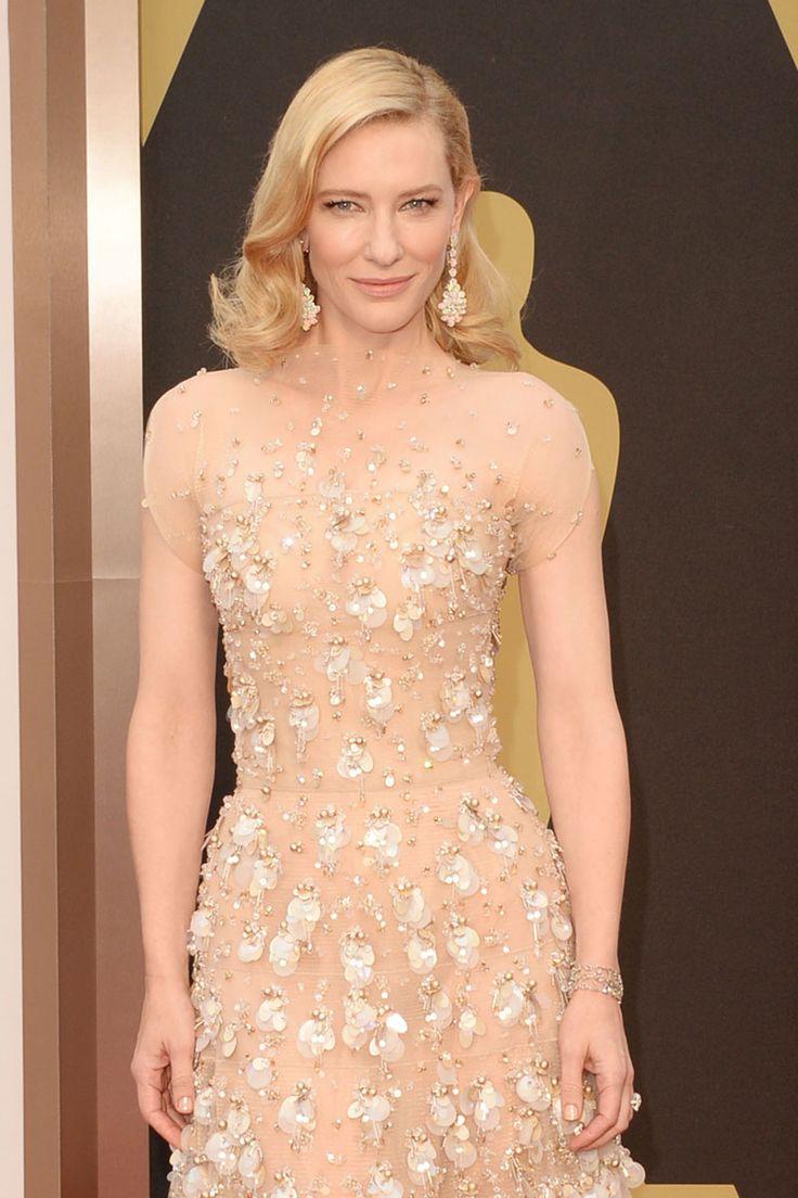 #oscar2014 - Cate Blanchett | Se suman una pulsera de oro blanco con diamantes marrones y una sortija Toi et moi con diamantes talla pera realizada en oro blanco.