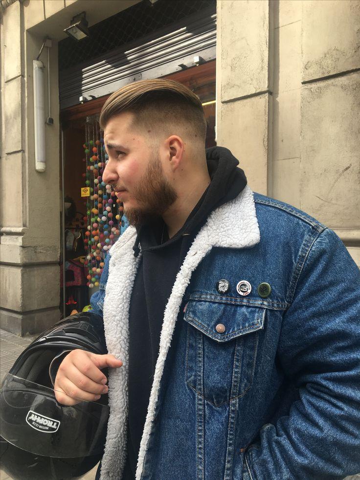 Haircut style Barber shop Barcelona. Gentleman style.