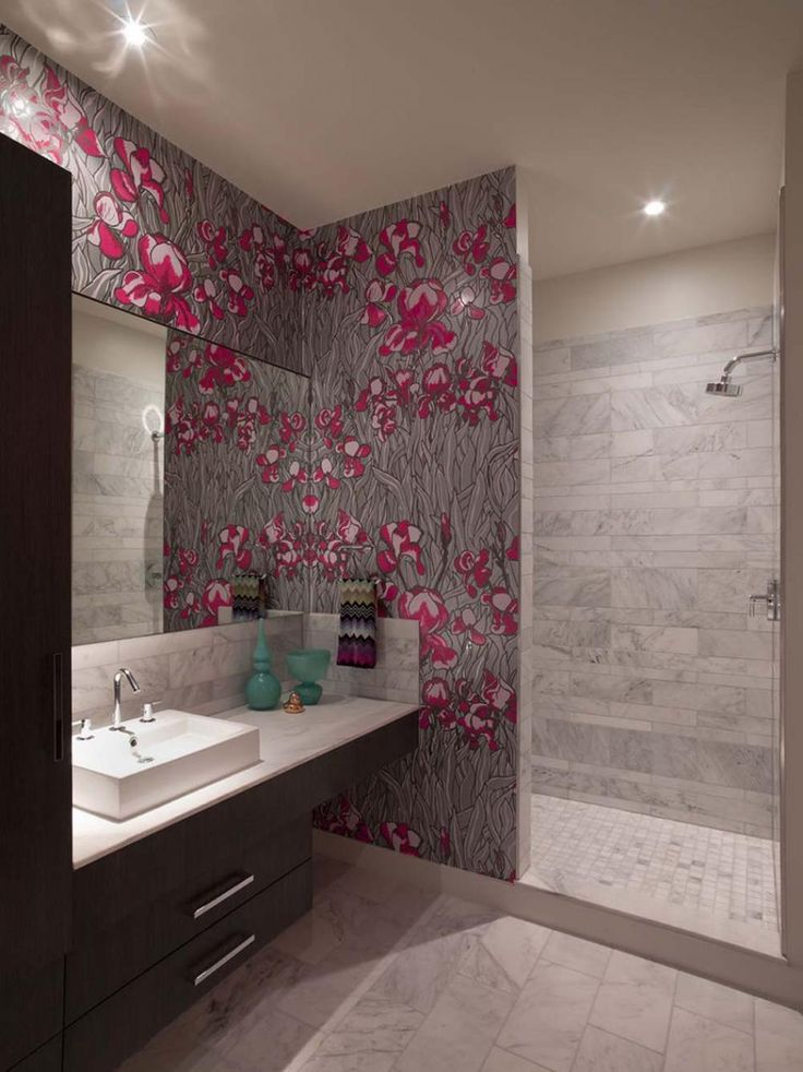 Papier peint salle de bain offrant la possibilit  de personnaliser    volont  notre d co  Small Bathroom DesignsModern. 46 best Bathroom Wallpaper images on Pinterest   Bathroom
