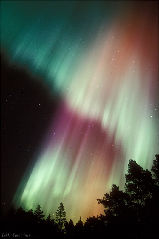 Northern lights in Finland / Pekka Parviainen. I want to go to Finland anyway, but if I could see the northern lights at the same time it would be amazing!!