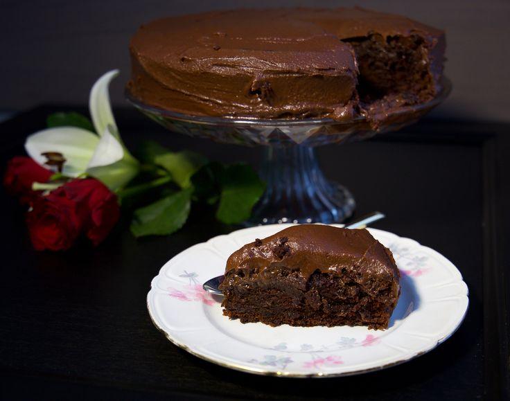 Chokladtårta med chokladsmörkräm - ZEINAS KITCHEN