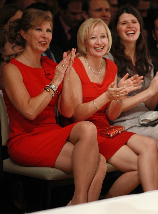 laureen harper red dress first lady canada