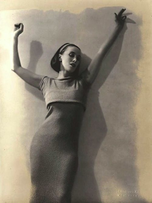 lauramcphee:    Martha Graham, 1928 (Soichi Sunami) Martha Graham (May 11, 1894 – April 1, 1991) was an American modern dancer and choreographer whose influence on dance has been compared with the influence of Picasso on modern visual arts,the influence of Stravinsky on music, and the influence of Frank Lloyd Wright on architecture