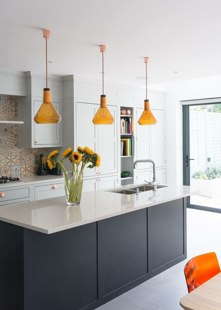 Beautiful open kitchen! Great attention to detail. Love it! www.cavendish-kbb.co.uk