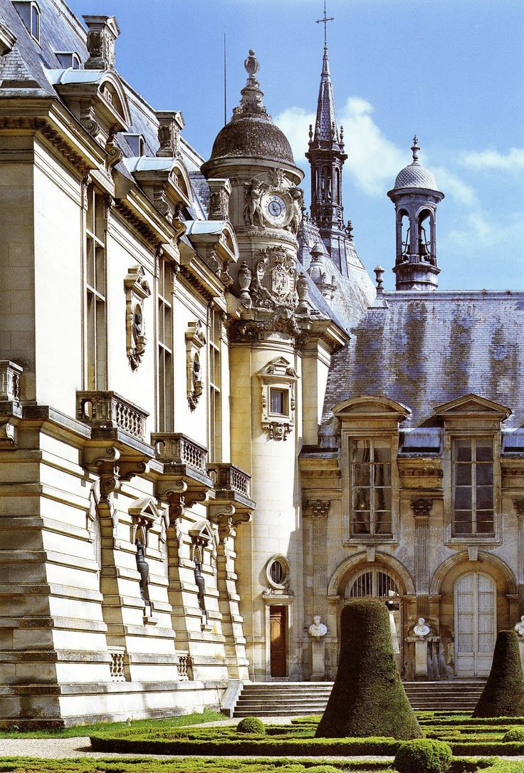 170 best chateau de chantilly images on pinterest. Black Bedroom Furniture Sets. Home Design Ideas