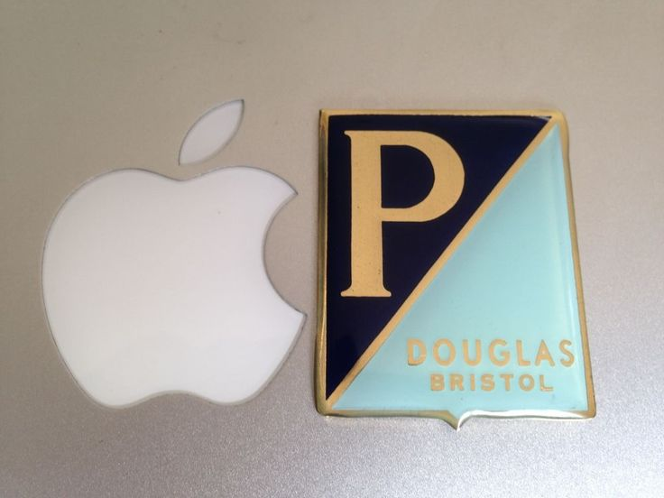 BADGE VESPA DOUGLAS BRISTOL BRASS COATED RESIN