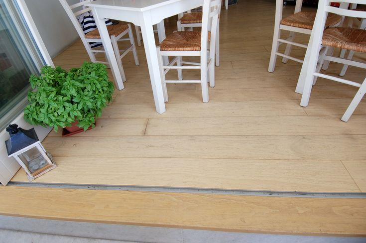 Ξύλινο πάτωμα στο εσωτερικό μαγαζιού | Antonis Kritikos Εφαρμογές | Accoya