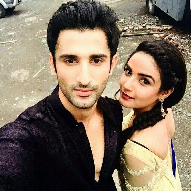 @sidhantgupta @jasminbasin they're both beautiful