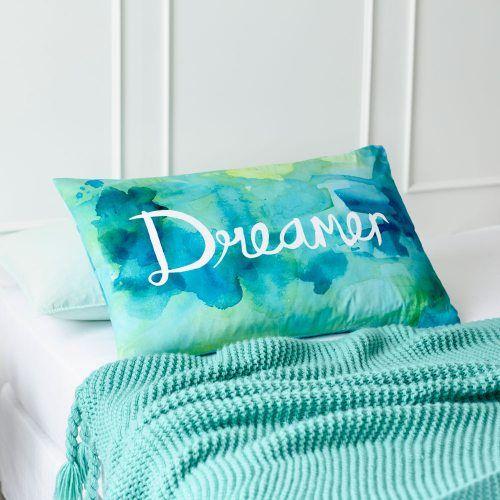 Text Pillowcase Dreamer