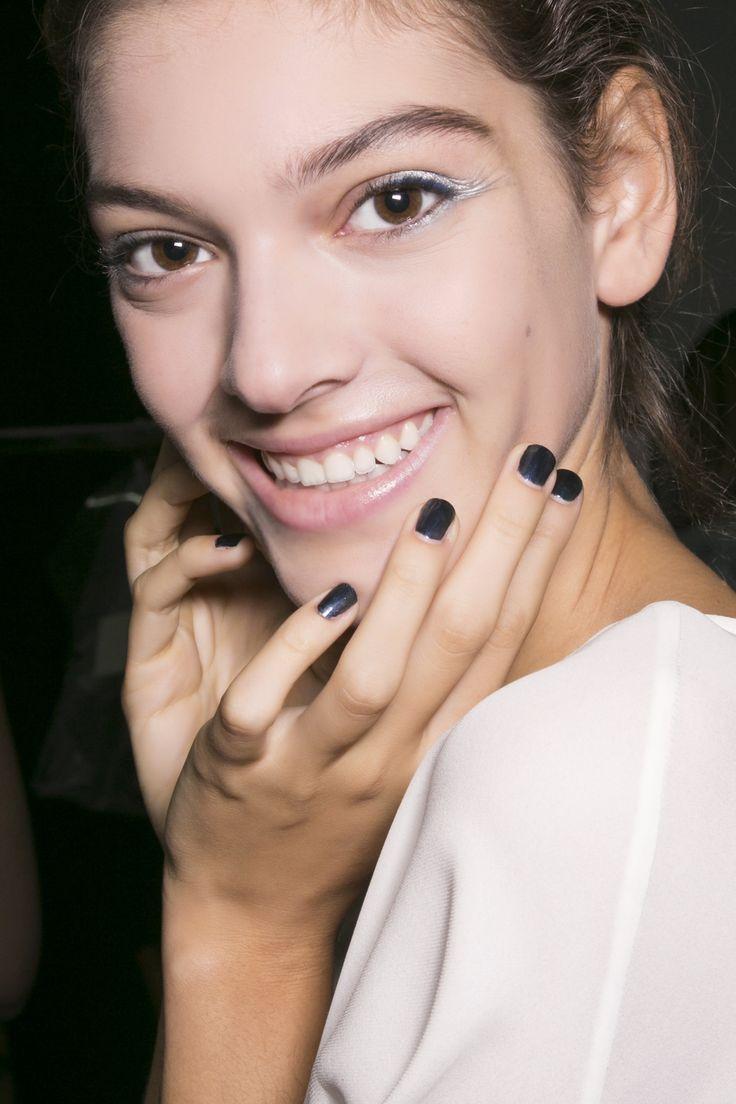Manicure: trendy wiosna-lato 2015, Emporio Armani, fot. Imaxtree