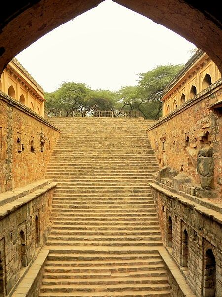 Rajon ki Baoli is a historical Lodi period step well inside Mehrauli Archeological Park