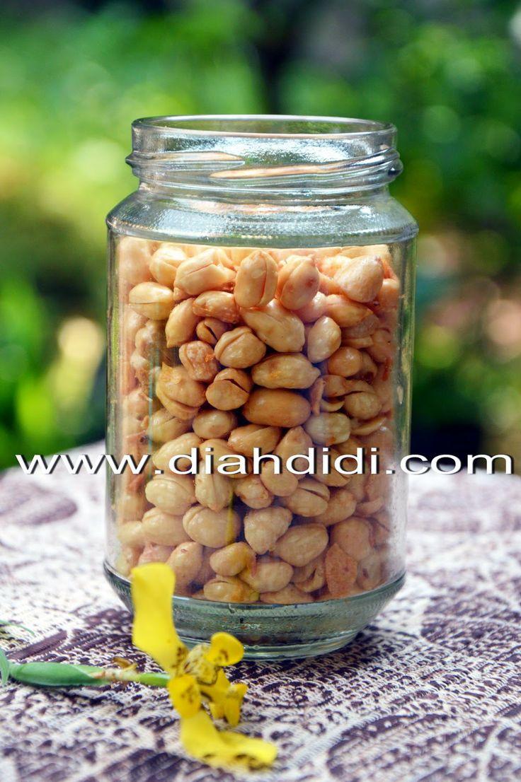 Diah Didi's Kitchen: Kacang Bawang Empuk, Gurih