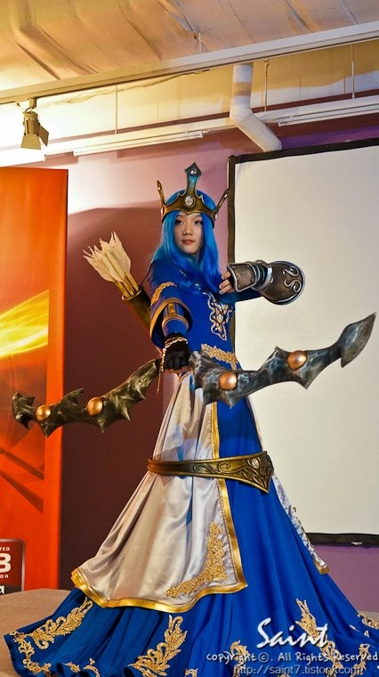 Queen Ashe - League of Legends | Cosplay 2 | Pinterest ...
