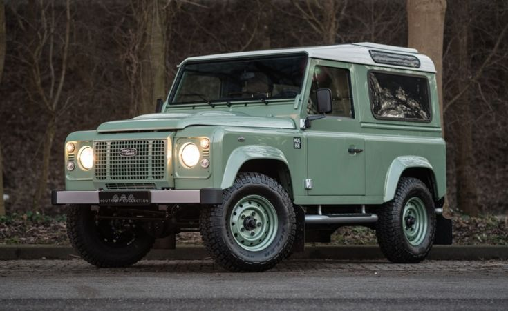Car Porn: Land Rover Defender 90 Heritage Edition. And the thing is for sale.