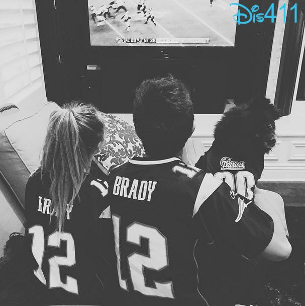 Photo: Sabrina Carpenter With Bradley Steven Perry Supporting The Patriots January 18, 2015 - Dis411
