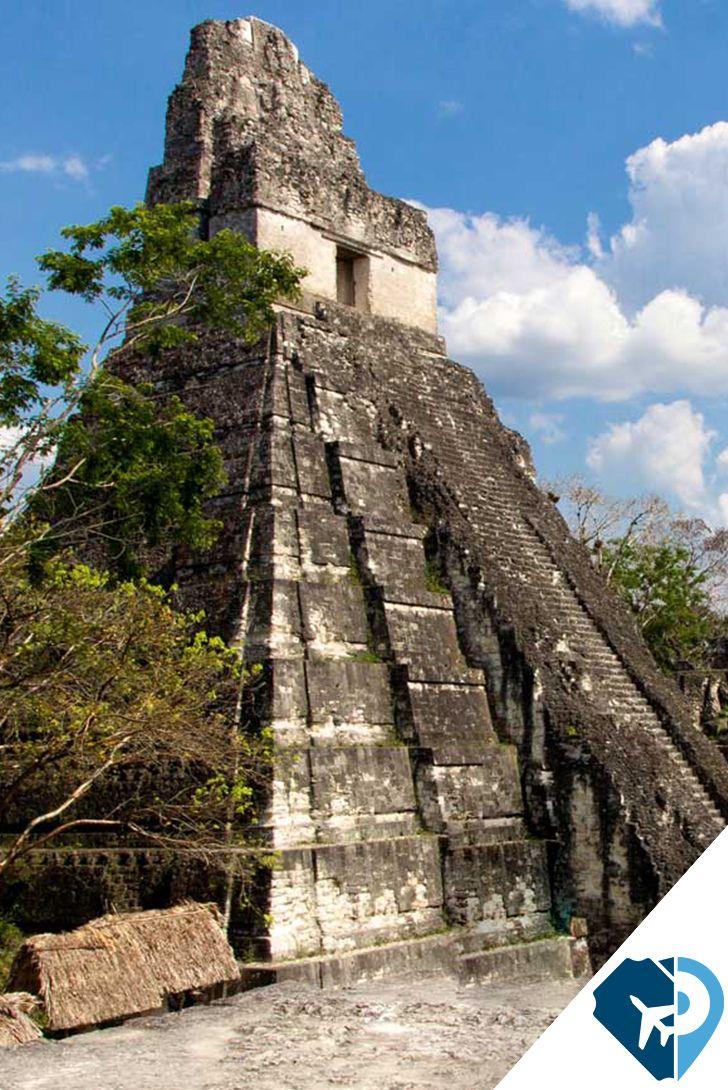 Tikal, Guatemala, es el sitio excavado más grande de las Américas y contiene algunos de los restos arqueológicos más fascinantes de la antigua civilización Maya.