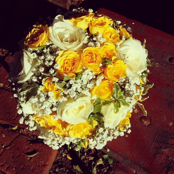 Sunshine for the bride #wedding #bouquet #weddingboquet