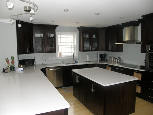 Blond Floors + dark cabinets.  Again, can't decide if I like it.