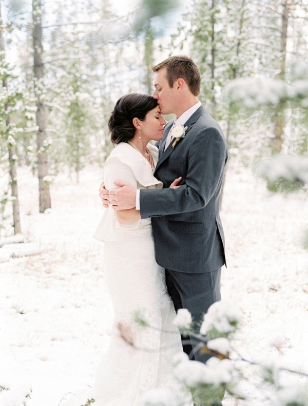 Snow wedding. great picture.
