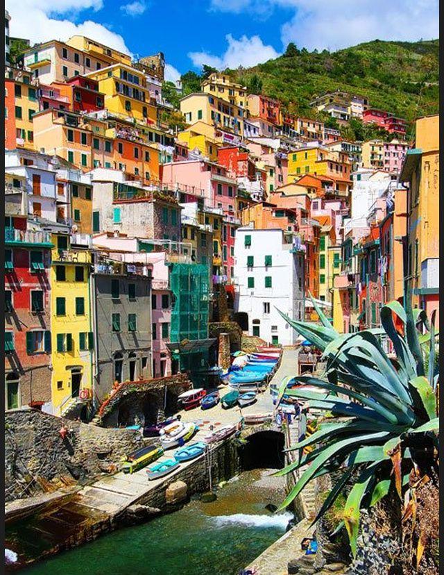 Les plus belles destinations d'Italie - Cinque Terre http://www.actuweek.com/go/amazon-italie.php
