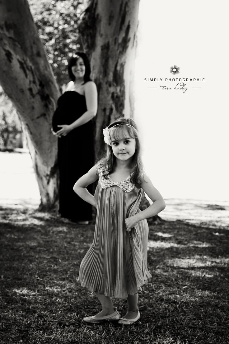 HEY! look at me... love this shot <3 #poser #adelaidephotographer #maternity #babieschildrenfamily https://www.facebook.com/simplyphotographic2012?ref=hl