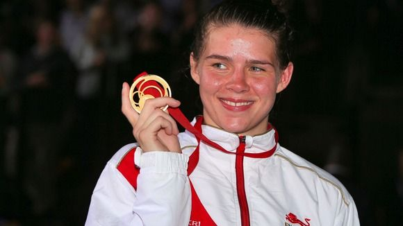 Hartlepool boxer Savannah Marshall topped the podium last night after winning gold in the middleweight boxing.