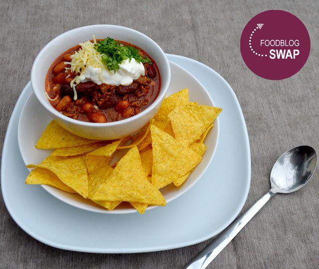 Voor de foodblogswap maakte ik deze maand Chili Con Carne uit de Slowcooker. Lekker, ontzettend makkelijk om te maken en ultiem comfortfood.
