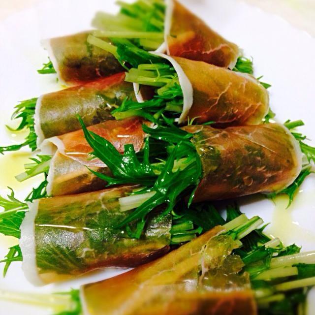 もはや料理じゃないけど間違いなくおいしーんです。 オリーブオイルで食べるのがベスト♡ - 11件のもぐもぐ - 水菜の生ハム巻き by hayumilk105