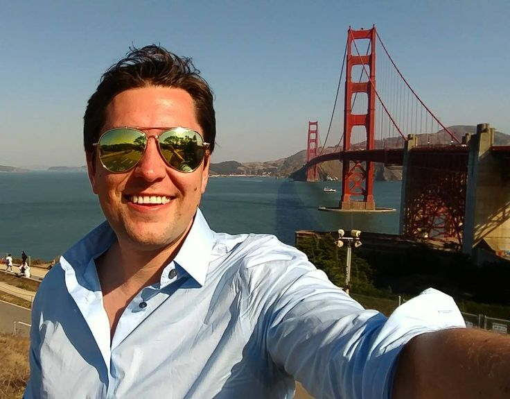 """Just saying """"Hi"""" from the Golden Gate Bridge"""