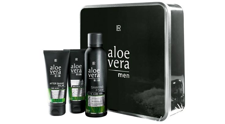 Een complete set verzorgingsproducten voor mannen verzorging inclusief gezichtscreme.