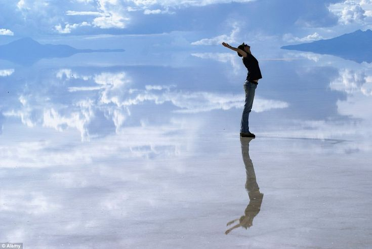Bolivia Uyuni Salt Lake: Heaven on Earth... Seriously one of the places to go before I die...