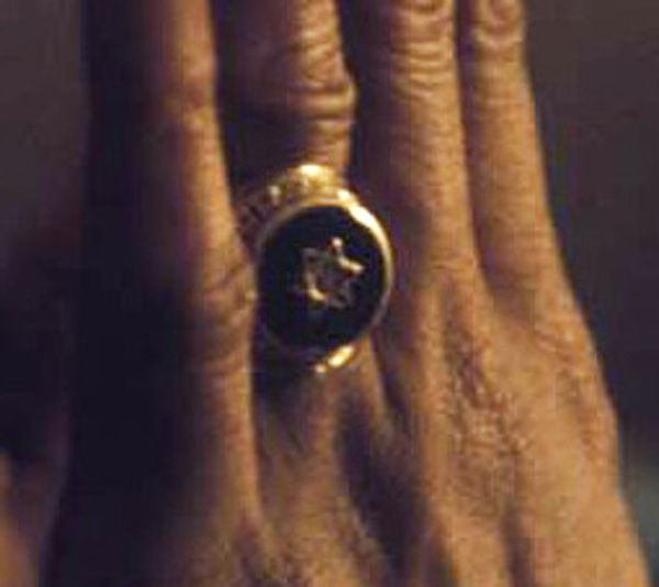 *Bob Marley* His ring. More fantastic pictures, music and videos of *Bob Marley* on: https://de.pinterest.com/ReggaeHeart/