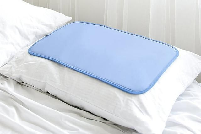 Don T Sweat A Thing With The Best Cooling Pillows For Hot Blooded