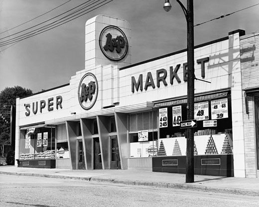 Stock Photo: 255-5193 Facade of a supermarket, A&P Supermarket, New Rochelle, New York State, USA
