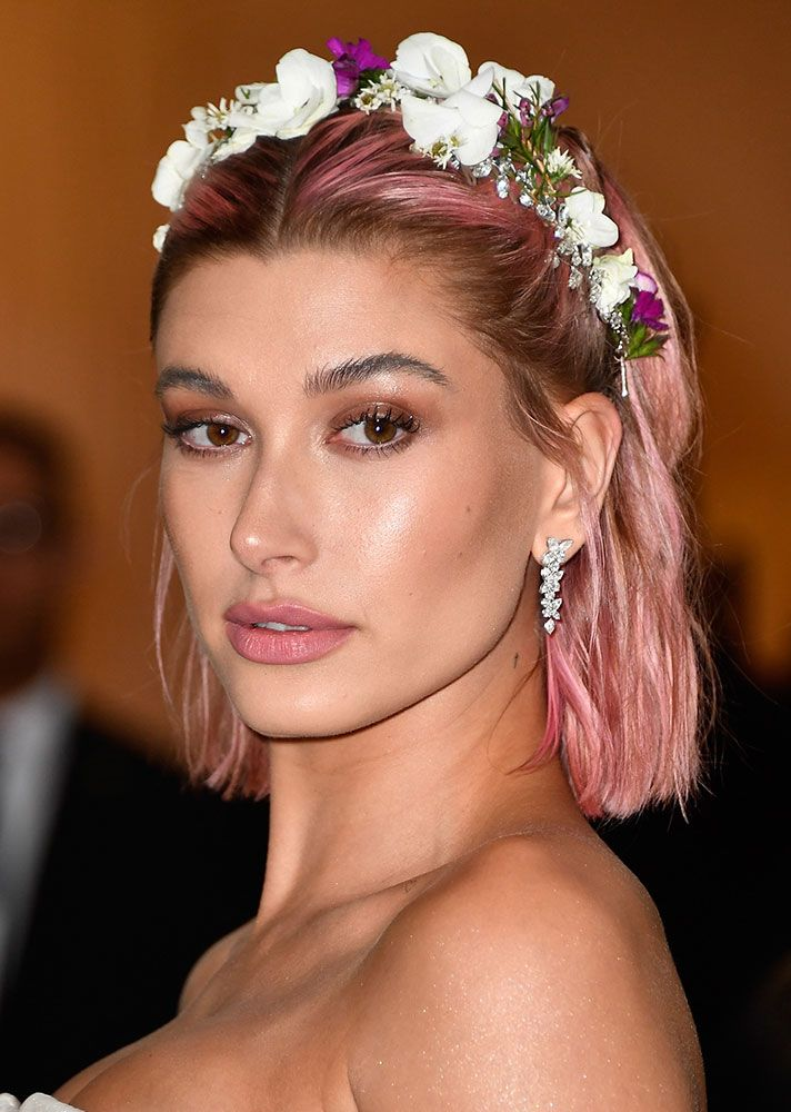 The Best Celebrity Hair Makeovers Of 2018 Celebrity Hairstyles Pink Hair Pink Hair Dye