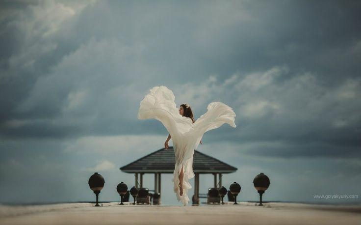 Just an angel!  Photo by Youriy Golyak    #bestphotographers #bestphotos #bestphoto #amazing #amazingdestinations #beautiful #photo #photography #photooftheday #picoftheday #photosession #photo #wedgo #wedgonet #beauty #weddingPhotographer #weddingdress #bride #angel