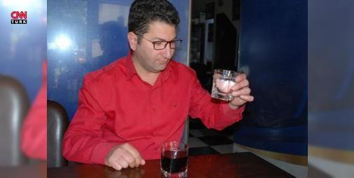 İzmir'de 30 yıldır su içmeyen adam şaşırttı: İzmir'in Torbalı ilçesinde ikiz çocuk babası Taner Özev, kendi ifadesiyle 30 yıldır su içmediğini ifade ederek, 'Devamlı gazlı içecek içiyorum. Çocukken mutlaka su içirmişlerdir ama hatırlamıyorum. Sağlık için su içmeye mecbur kalsam yine de içmem. Ölsem de su içmem' dedi.