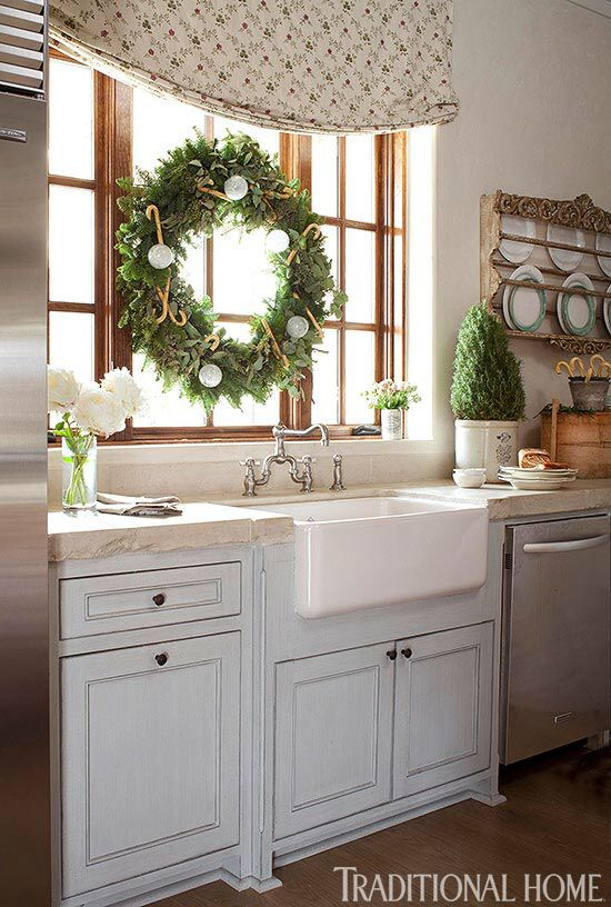 Christmas Kitchen details: Holiday, Kitchens, Christmas Kitchen, Window, Decorating Ideas, Focal Point, Christmas Decor, Farmhouse Sink