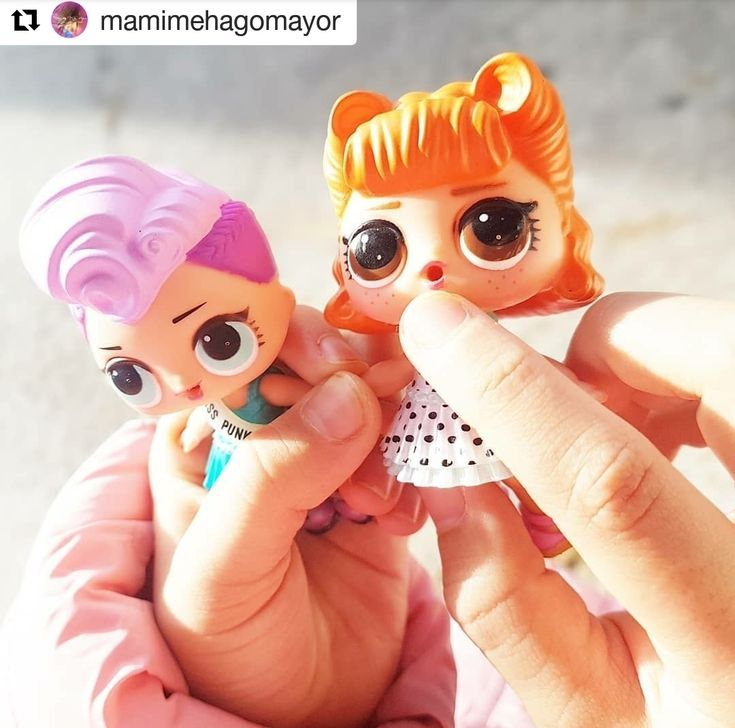 #Repost @mamimehagomayor  Hoy las @lolsurprise.es favoritas de @claudiastuls se vienen al trabajo con mami!  Son puro amor! Feliz lunes!! . .  #lolsurprise #doll #dolls #dollgram #instadoll #muñecas #surprise #sorpresas #pretty #cool #fashiondoll #style #moda #cute #girl #likephoto #mamimehagomayor  #LOLsurprise #lolsurprisedolls #comunidadlol #collectlol #dolls #doll #toys #toy #muñeca #juguete #collect #LOLSurpriseSerie2