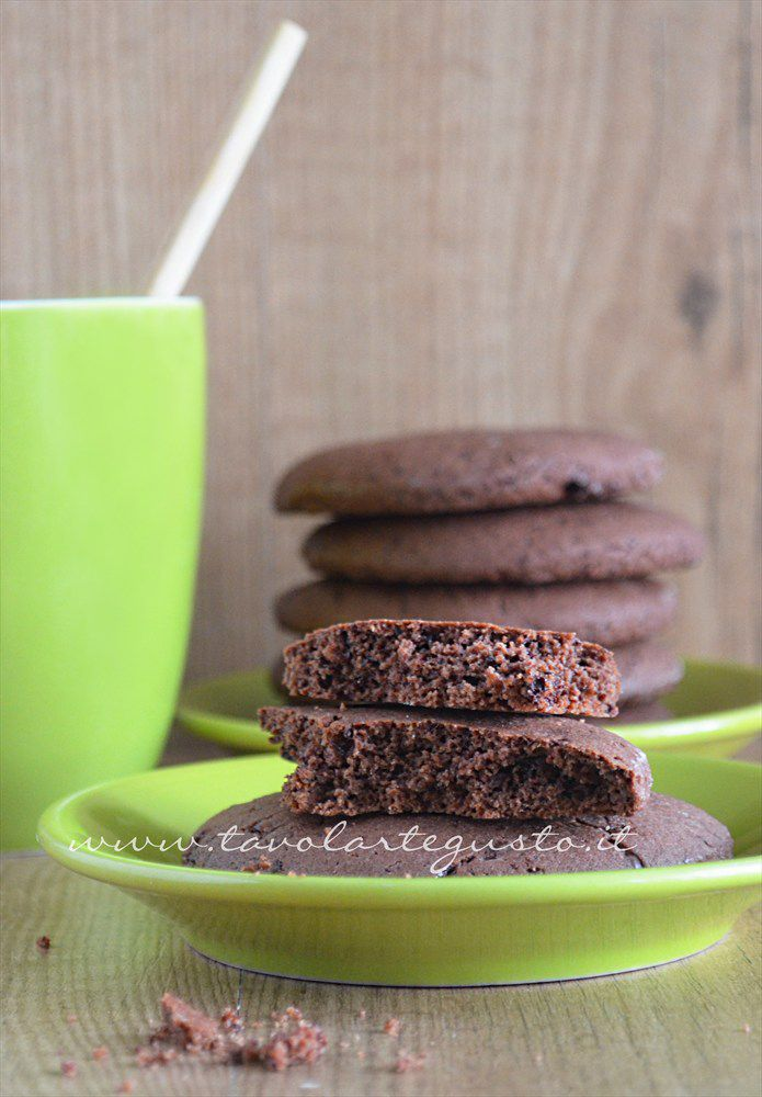 Biscotti al cioccolato senza uova, senza burro, senza latte