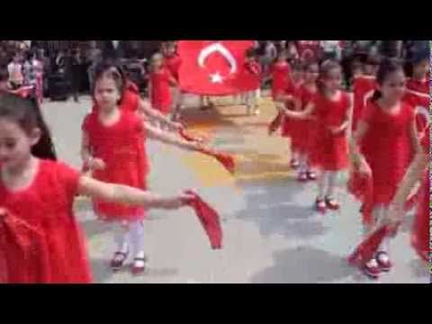 23 Nisan gösterisi Hoş gelişler Ola Hatice Fahriye Eğinlioğlu İlkokulu 1...