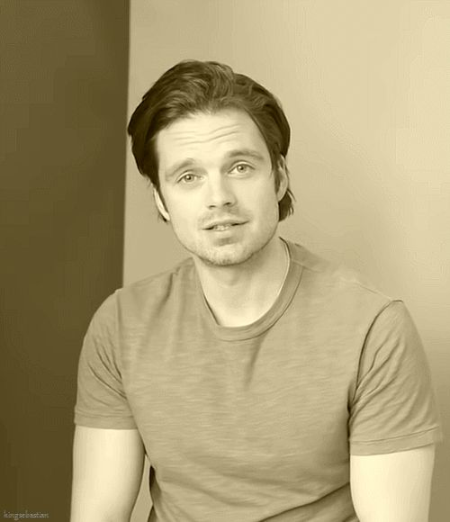 Sebastian Stan <<<<<< i cannot not smile at that face