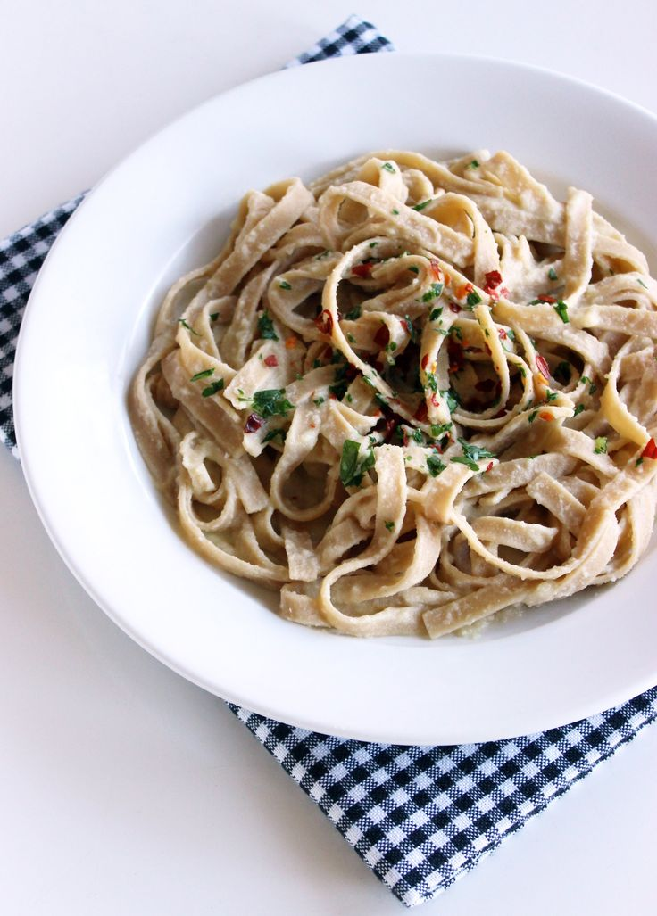 You'll Never Believe What This Dairy-Free Alfredo Sauce Is Made From