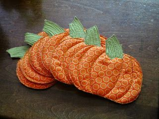 Steamy bowls of soup or tea on chilly days deserve a festive coaster. Re-purpose scraps of fabric into pumpkin coasters that celebrate fall. Click in for the complete guide from A Brandie Creation.