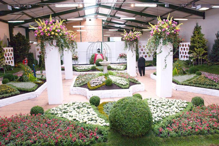 13. - 22. září 2013|   Podzimní výstava s růžemi ve stylu francouzských zahrad