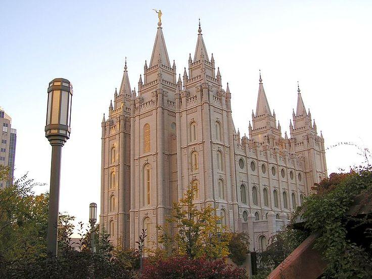 Le temple de Salt Lake City... L'Église de JC des saints des derniers jours, ou mormonisme, est une Église chrétienne restaurationniste née dans l'État de NY, aux EU, en 1830 et dont le siège mondial se trouve à Salt Lake City dans l'Utah. Elle est la quatrième plus grande confession d'Amérique et revendique 14 millions de membres dont 36000 en France métropolitaine et 22000 en France d'outre-mer. Elle se considère comme religion révélée, à l'instar du judaïsme, du christianisme et de…