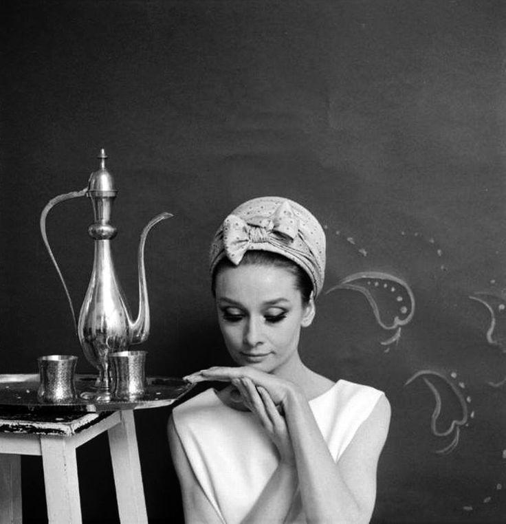 Одри Хепберн сфотографировали Сесил Битон, 1964