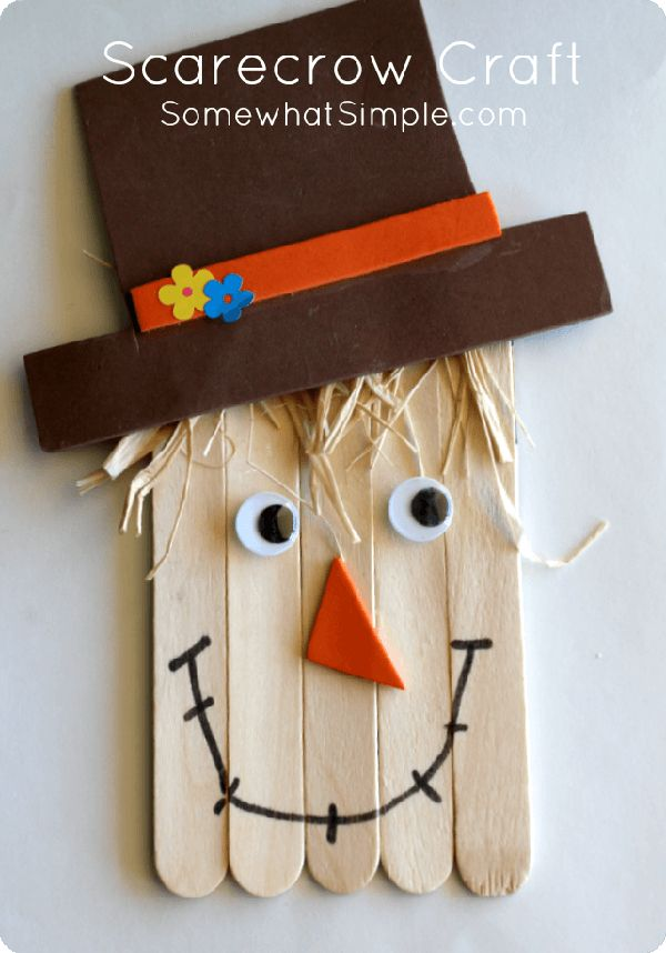 Make this cute scarecrow craft with the kids for Thanksgiving! See more Thanksgiving kids crafts on www.prettymyparty.com.